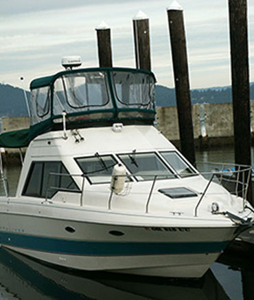 The Buccaneer 31-ft cabin cruiser for Juneau Whale Watching and Sport Fishing Tours